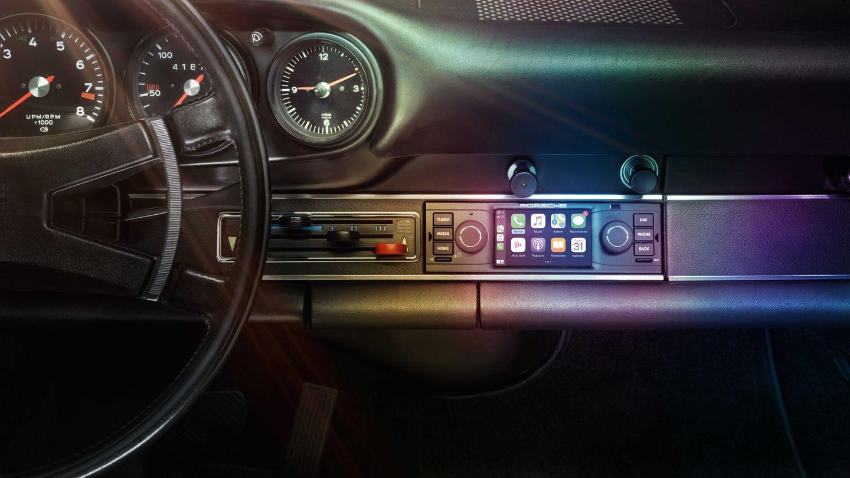 Porsche Classic Communications Management CarPlay