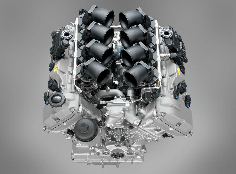 BMW S65B40 V8