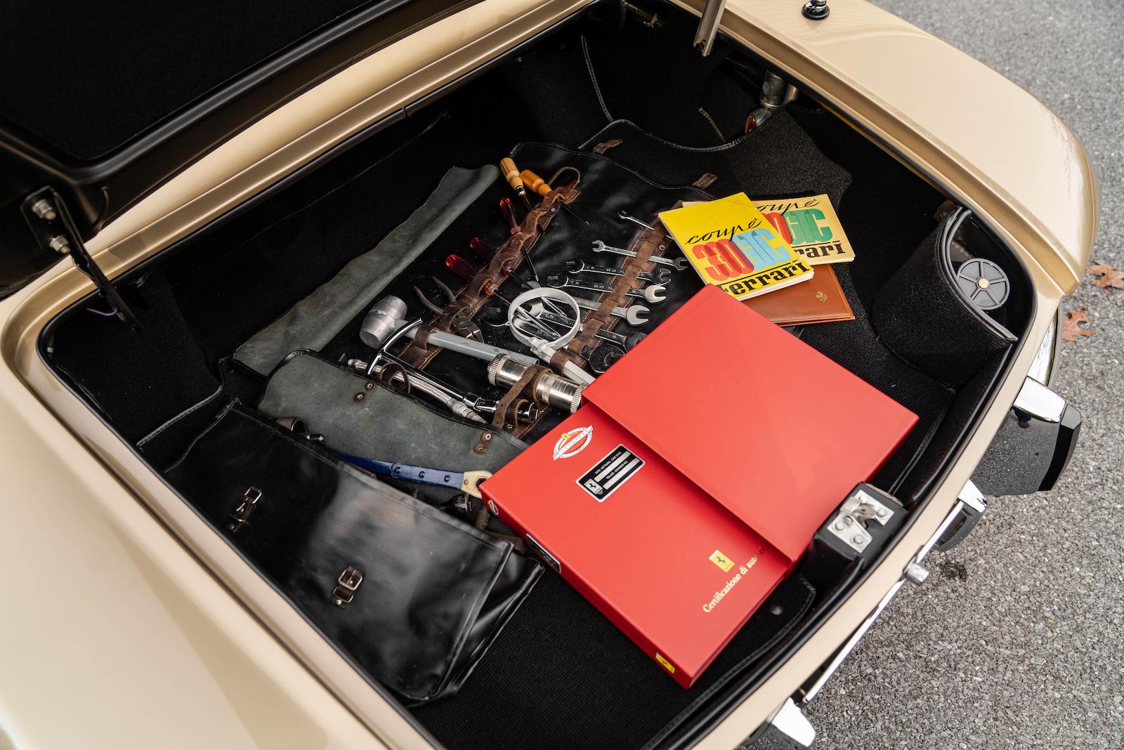 Ferrari 330 GTC Classiche Redbook tool roll