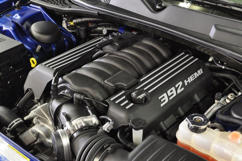 Chrysler Hemi V8 392 6.4-liter Apache
