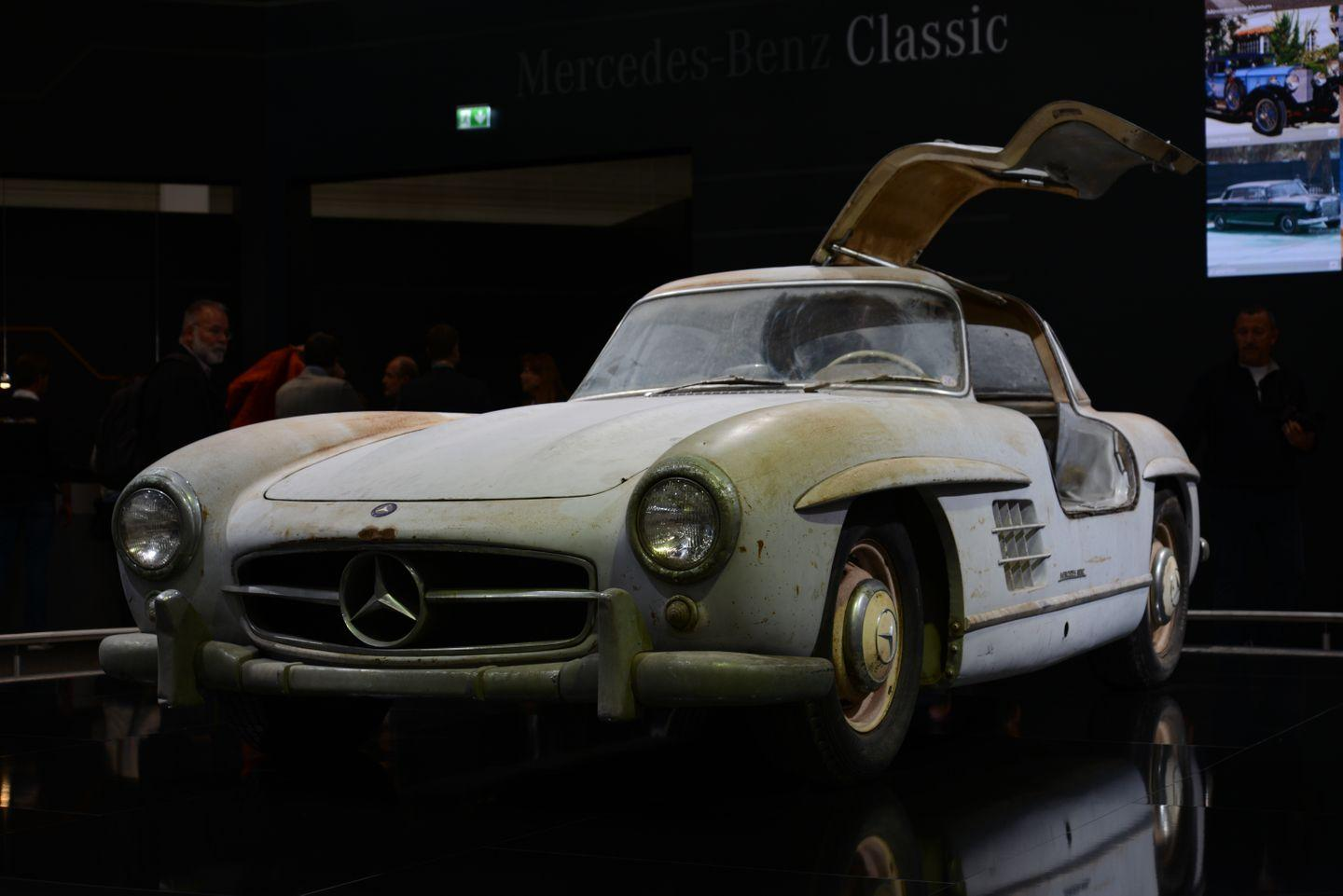 Mercedes-Benz 300SL Barn Find
