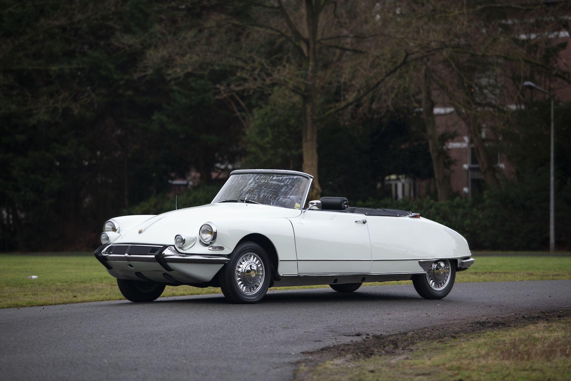1963 Citroën DS 19 cabriolet usine par Henri Chapron